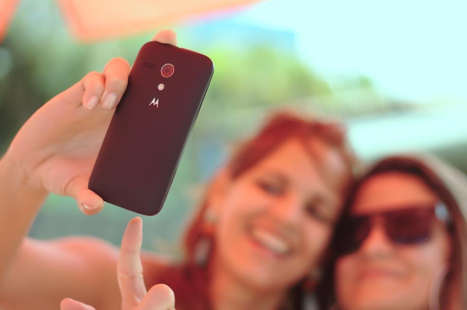 Prihlásenie na Facebook pomocou selfíčiek?